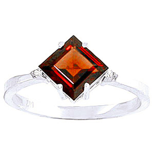 Garnet & Diamond Princess Ring in 9ct White Gold