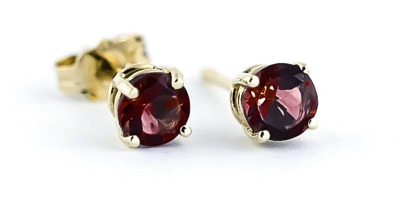 Garnet Stud Earrings 0.95 ctw in 9ct Gold