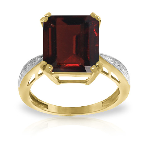 Garnet and Diamond Ring 7.5ct in 9ct Gold