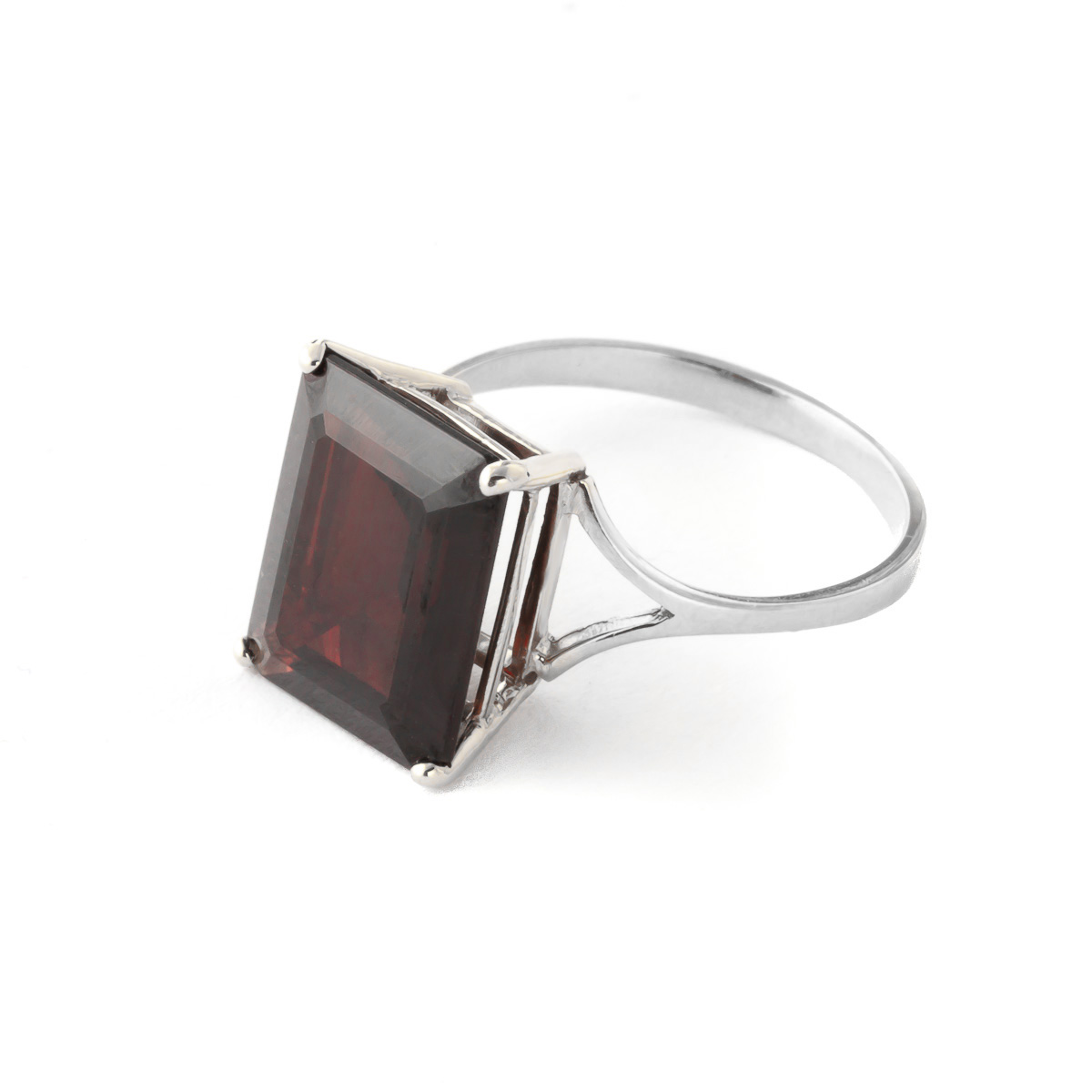 Garnet Ring 7.0ct in 9ct White Gold