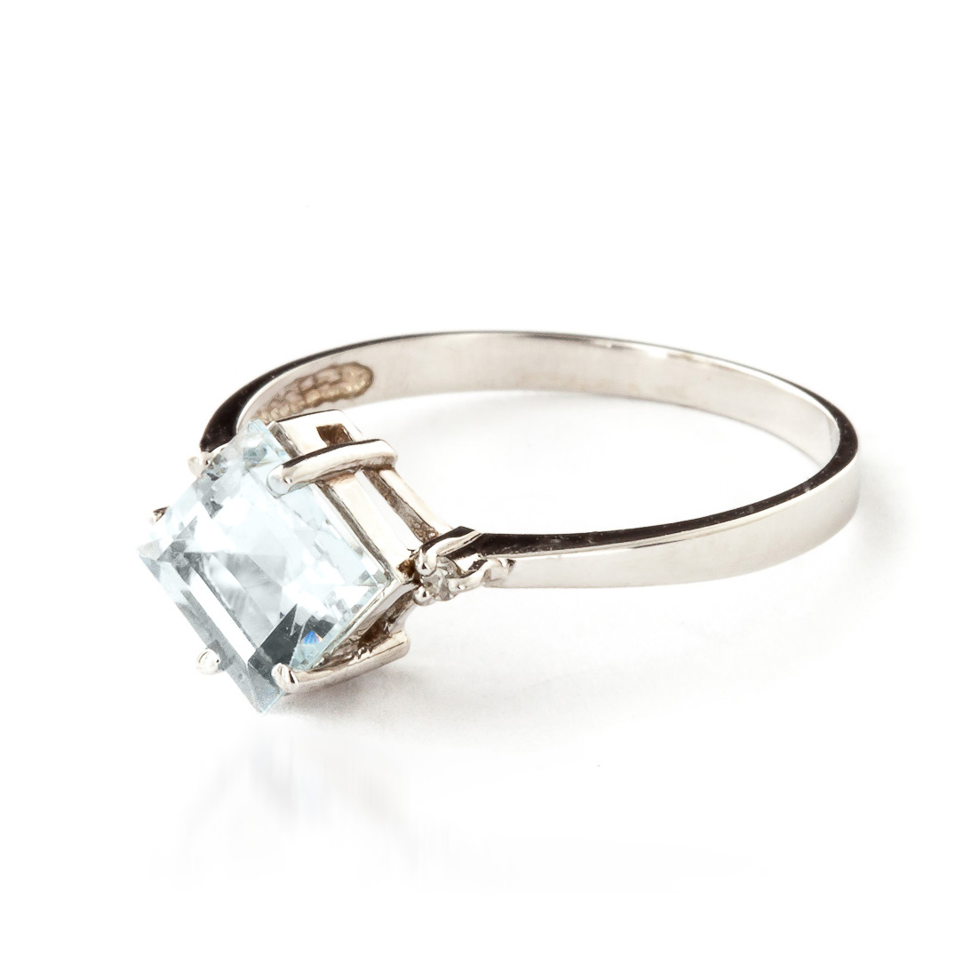 Aquamarine and Diamond Ring 1.75ct in 9ct White Gold
