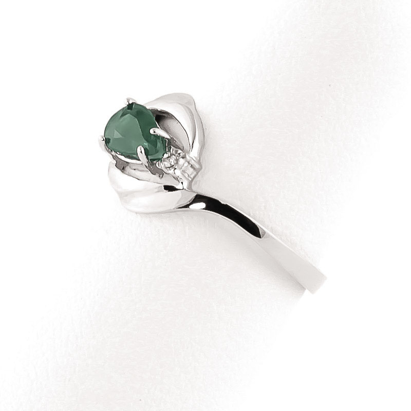 emerald and flare ring 0 5ct in 9ct white gold