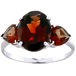 Garnet Three Stone Ring 4.1 ctw in 18ct White Gold