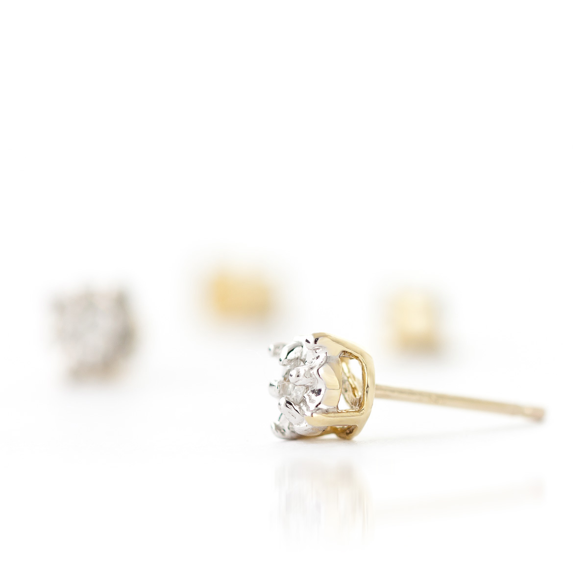 Diamond Stud Illusion Set Earrings 0.06 ctw in 9ct Gold