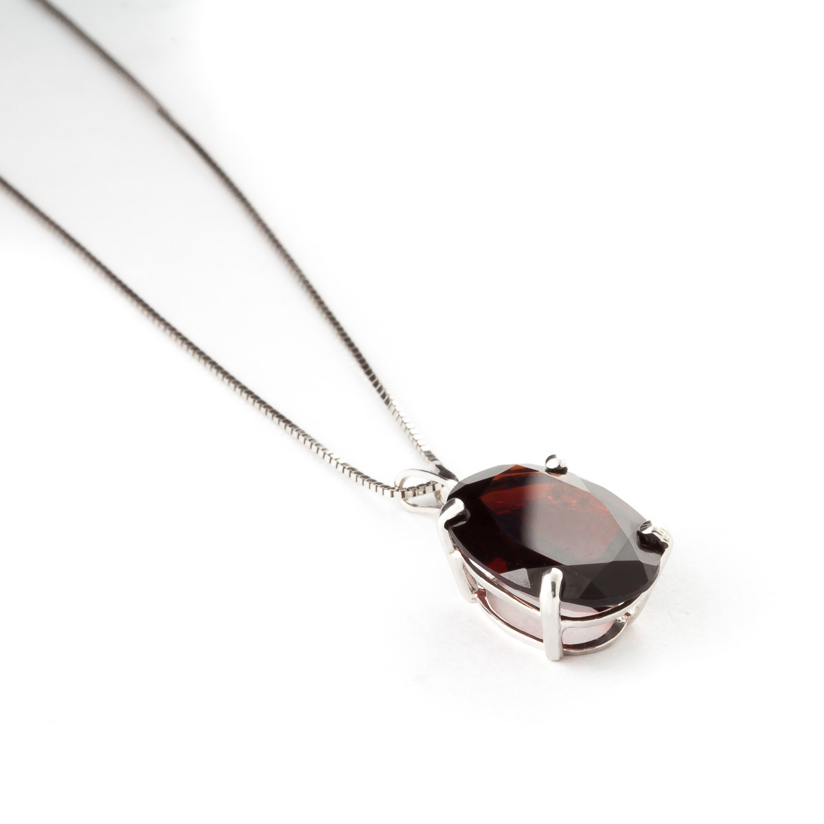 Garnet Oval Pendant Necklace 6 ct in 9ct White Gold