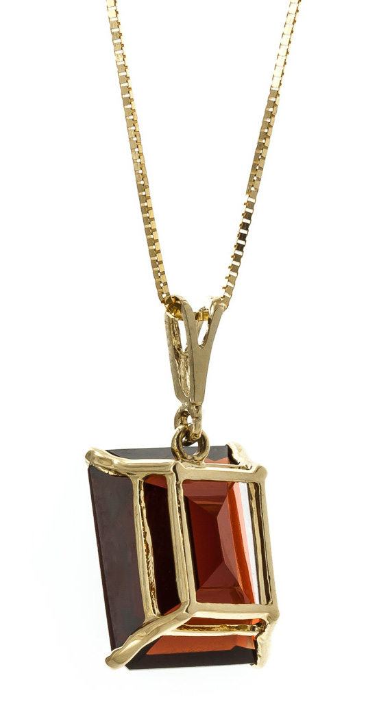 Garnet Pendant Necklace 7.0ct in 9ct Gold