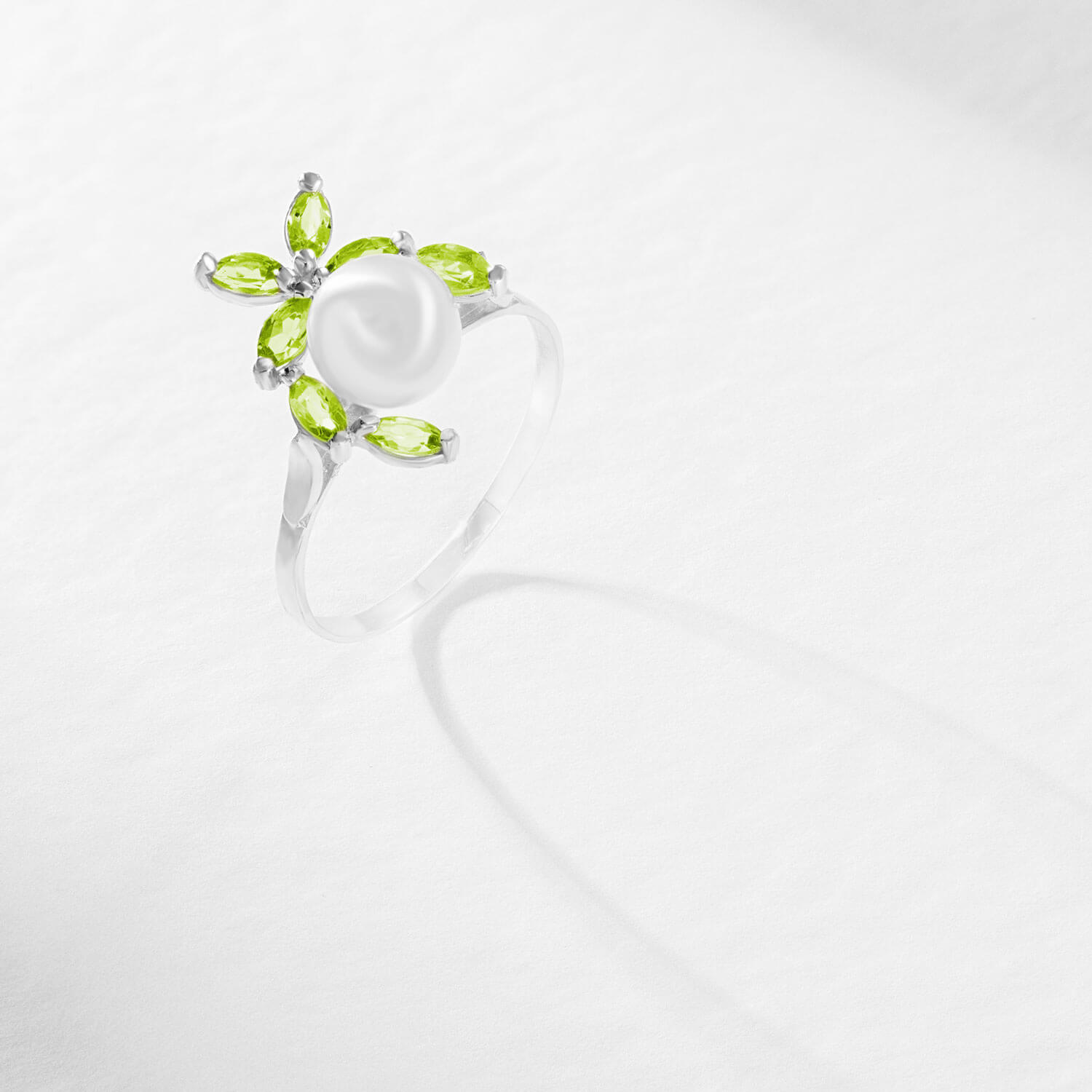 Pearl & Peridot Ivy Ring in Sterling Silver