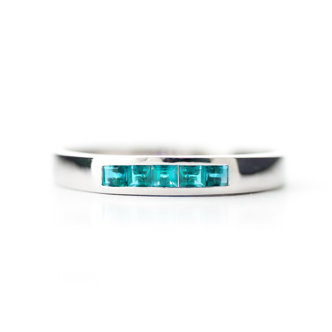 Princess Cut Blue Topaz Ring 0.6ctw in 9ct White Gold